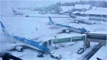 abrio el aeropuerto de bariloche y se espera la llegada de 42 vuelos
