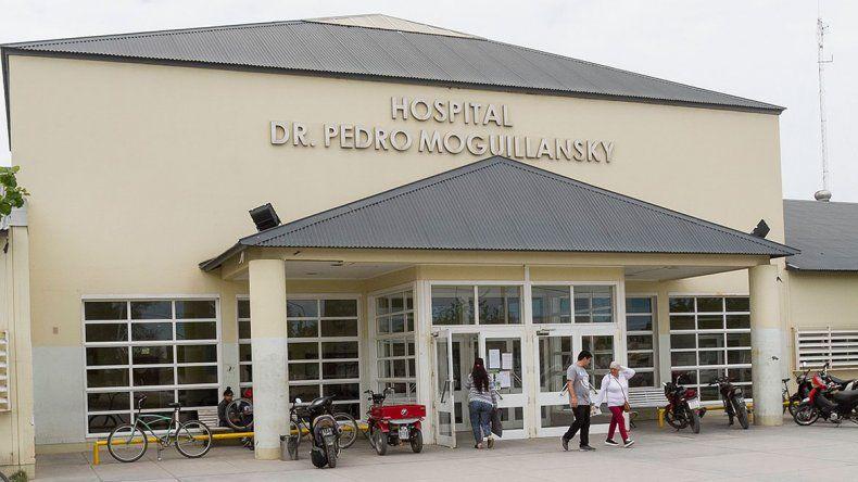 Otra persona fue asistida en el hospital de Cipolletti con síntomas de psitacosis: ya serían cinco los infectados