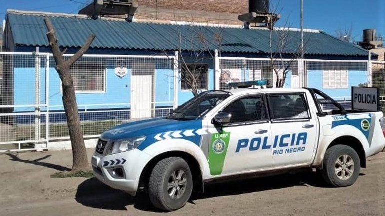 Atraparon a dos personas en una moto robada y a una mujer buscada por la justicia