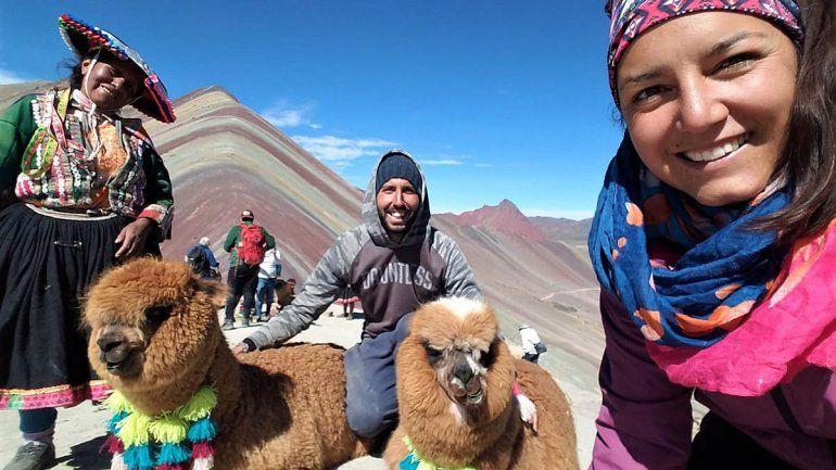 Nacho y Ale en la montaña Arcoiris