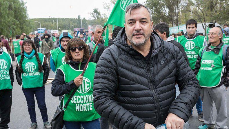 Aguiar sobre la marcha anticuarentena: Militan la muerte