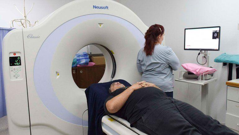 Con nuevos tomógrafos, mejora la atención en hospitales