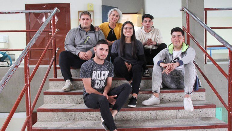 Orgullo: grupo de estudiantes creó un auto eléctrico 100% cipoleño
