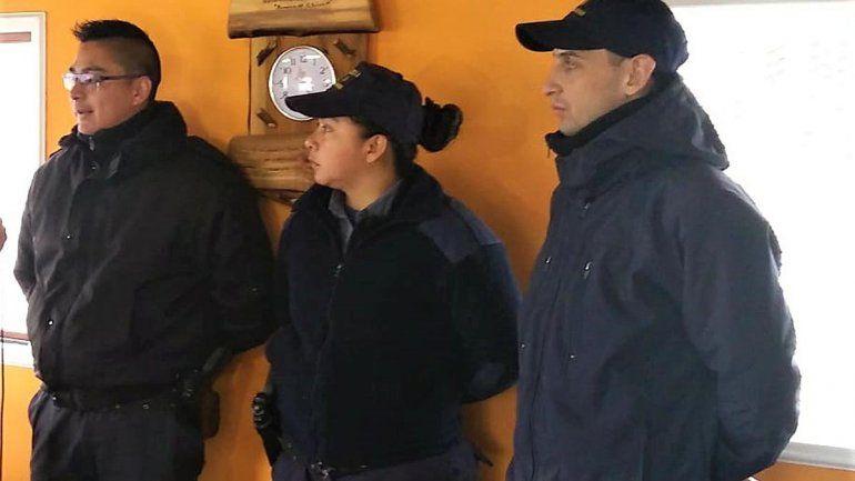 Policías de Bariloche asistieron a una mujer que dio a luz en su casa