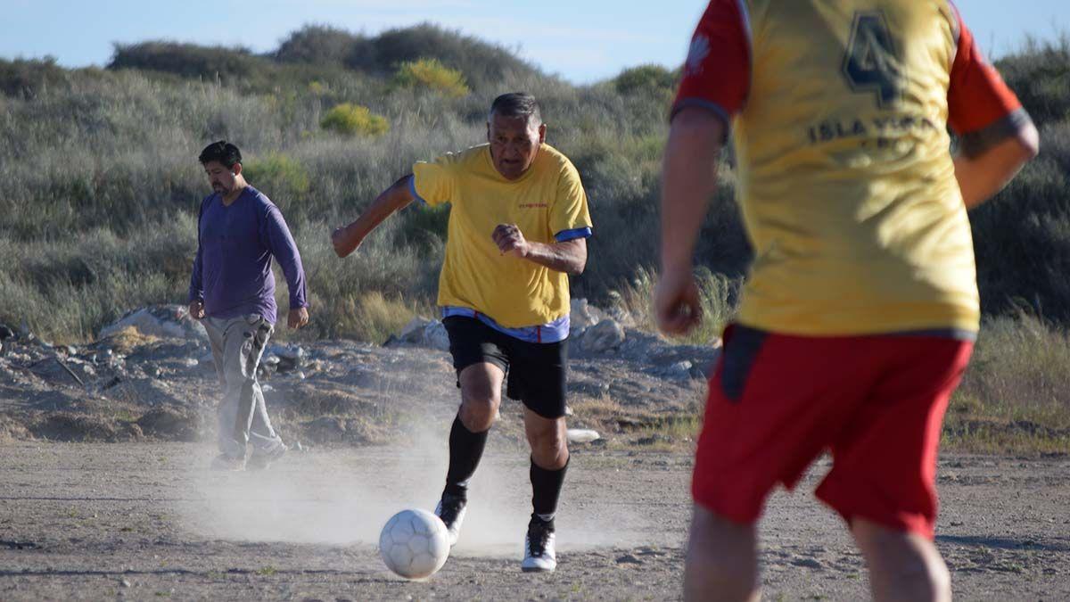 Cacho Ponce, la leyenda viviente del fútbol | San Antonio, Las Grutas, Historias de vida - Lmneuquen.com