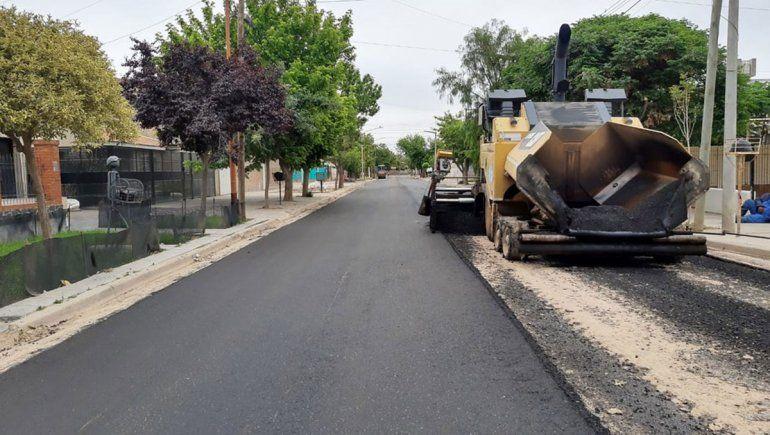 Avanzan varias obras de asfalto en la ciudad
