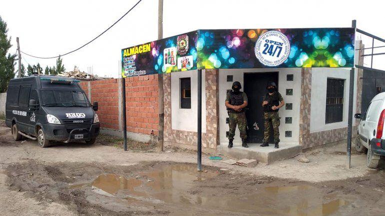 Cipolletti: reventaron kiosco narco que atendía las 24 horas