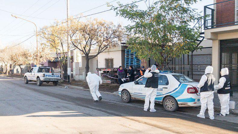 Acorralan a asesinos de don Beli por los rastros de zapatillas