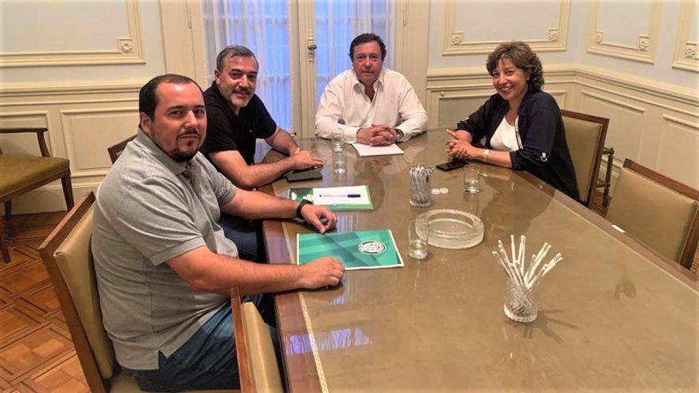 El gremio ATE se reunió con Weretilneck y Carreras