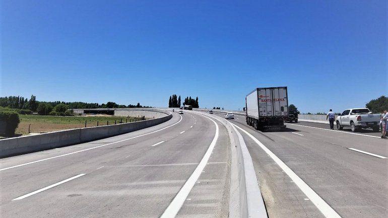 Inauguraron el puente más extenso de la autopista de Ruta 22