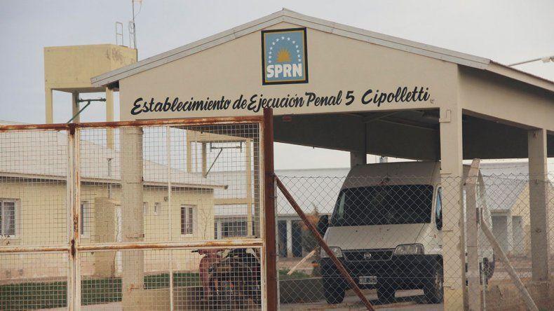 Buscan a un peligroso preso que se fugó del Penal cipoleño