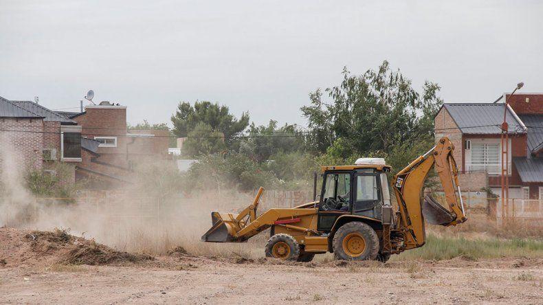 Dos obras públicas bajaron el desempleo entre los albañiles