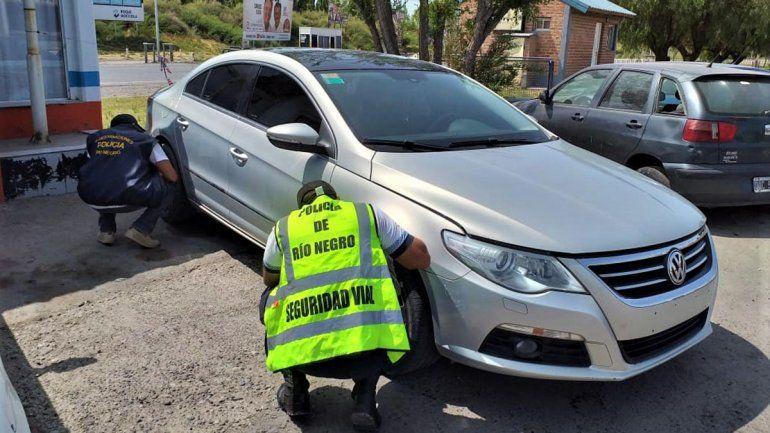Iban en un auto robado y los siguió la policía de Cinco Saltos a Cipolletti