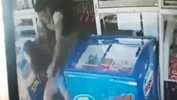 atraparon al atacante de una joven en el kiosco de roca