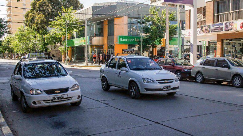 No habrá congelamiento de la tarifa de los taxis
