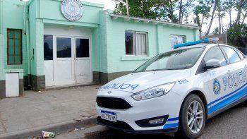 archivan denuncia contra un policia cipoleno por abusar de una nena