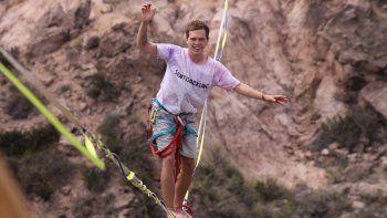 el crack del slackline que viaja a peru para tener una aventura de altura