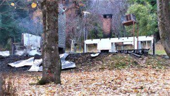 mapuches atacaron a una familia e incendiaron una cabana