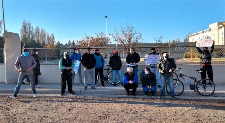 Protesta de los trabajadores del casino por el cobro de la mitad del salario