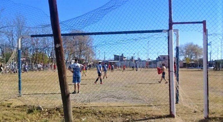 Regina: organizaron un torneo de fútbol en plena cuarentena