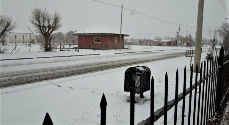 Nieve en Maquinchao.