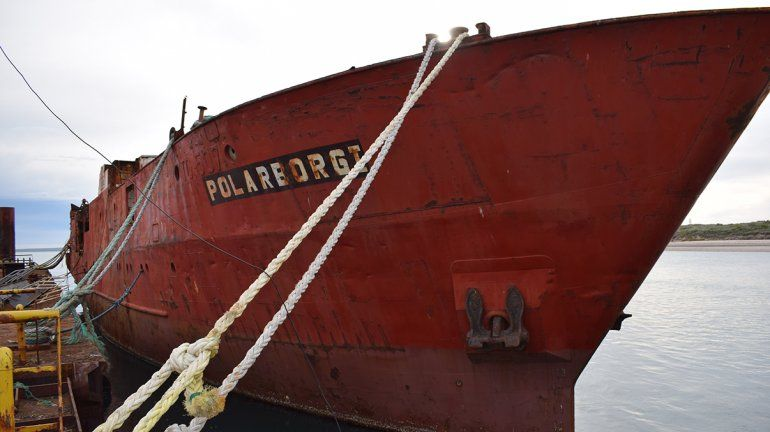 Se postergó el hundimiento de un barco antiguo en Las Grutas