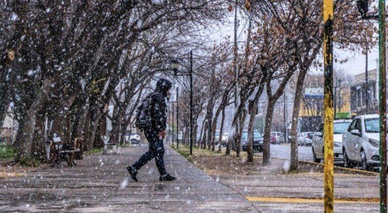 ¿El Alto Valle se vuelve a cubrir de nieve?