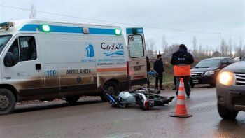 camioneta choco a un joven motociclista y lo dejo tirado