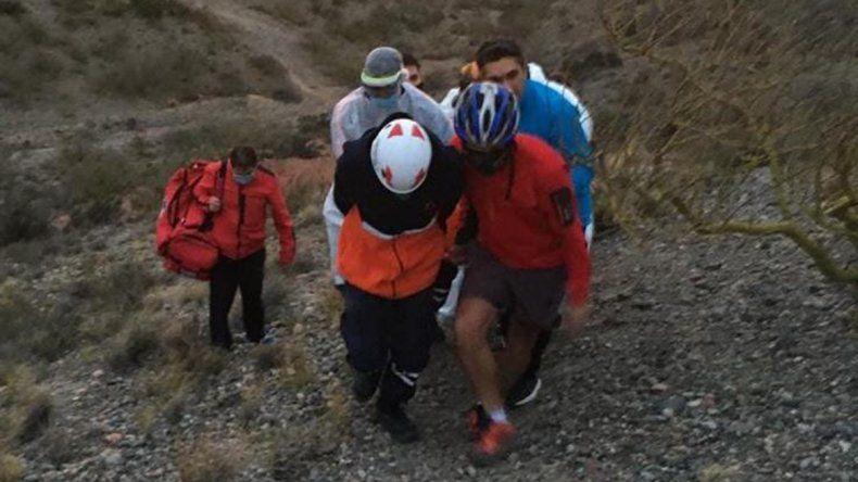 Ciclista se salvó de milagro tras caer del mirador de la Margen Sur