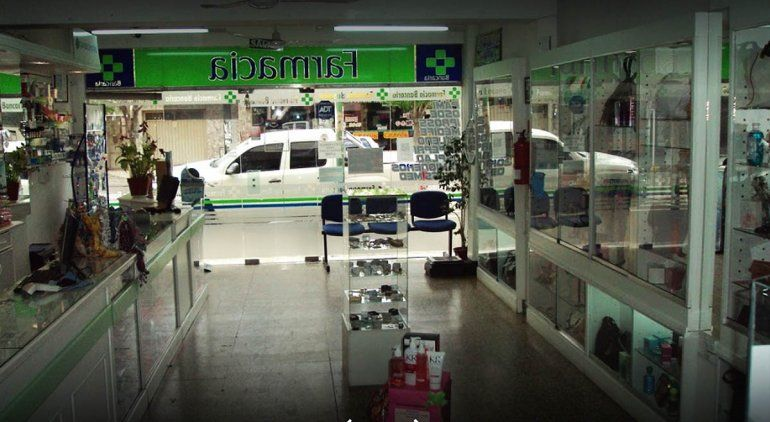 Farmacia Bancaria sigue atendiendo con empleados provenientes de otras sucursales.