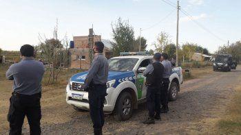 cipolletti: tres apunalados y una casilla incendiada en violenta pelea
