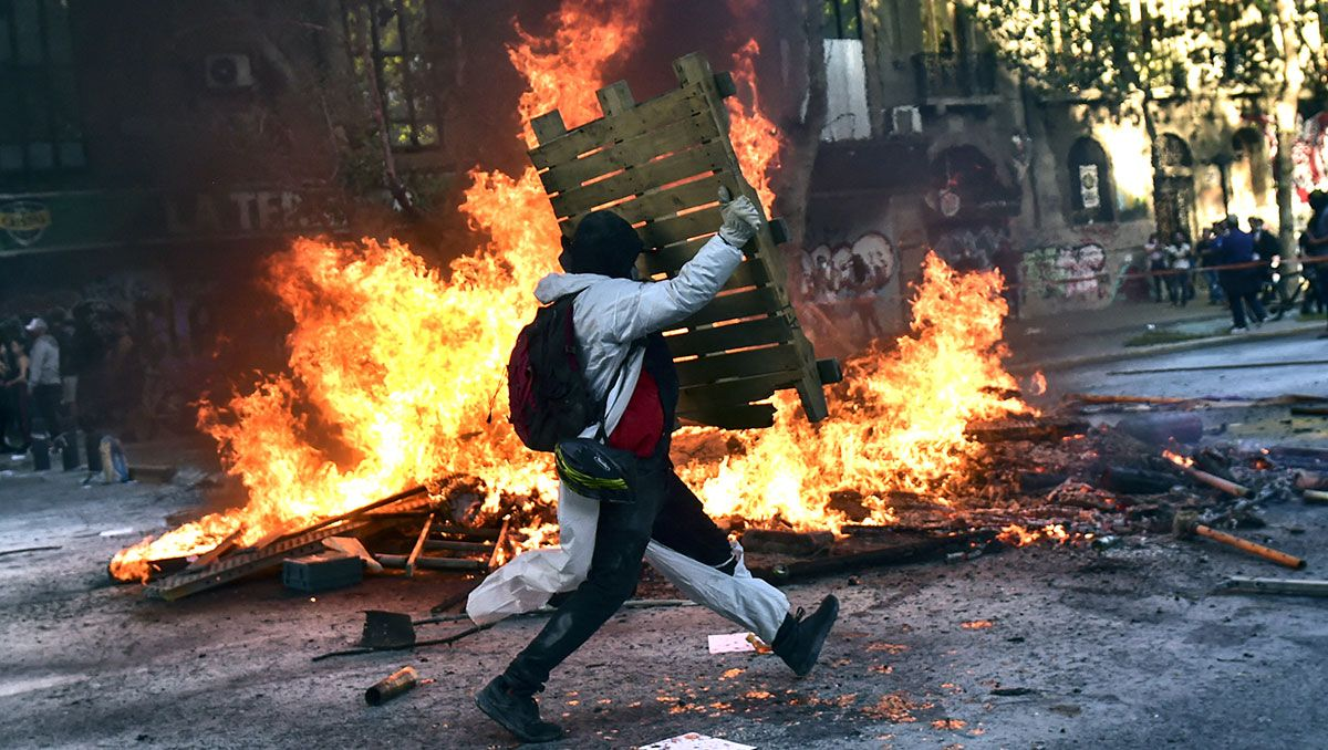 chile: la gran marcha dejo dos muertos
