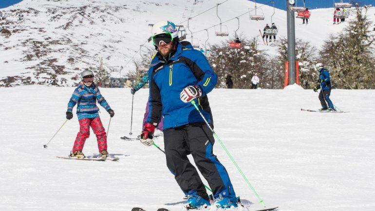 Con más de un metro de nieve en la cumbre