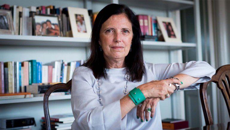Claudia Piñeiro: Mis obras ponen en discusión la institución religiosa