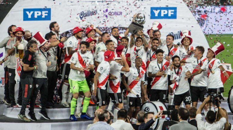 La polémica sin fin: ¿quién tiene más títulos, River o Boca?