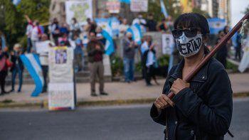 Protestas con epicentro en el Obelisco contra las nuevas restricciones