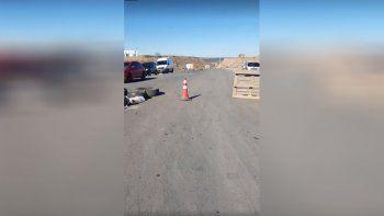 anelo: los camioneros abandonaron el corte por un camino alternativo