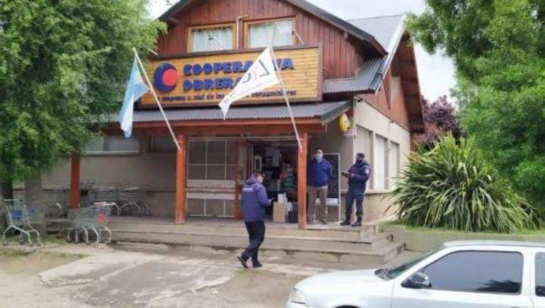 San Martín: amenazó con cagarlos a tiros por unas bananas pasadas