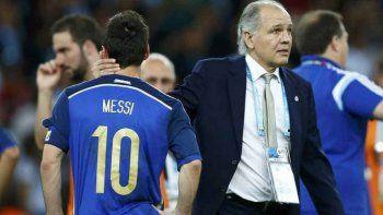 Sabella, como un padre para sus jugadores en aquel recordado Mundial 2014.