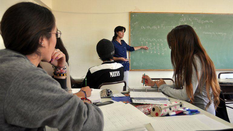 El 22% de los estudiantes secundarios abandonó la escuela este año
