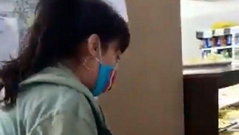Insólito: la escracharon por mechera y se quejó del daño psicológico que le hacían