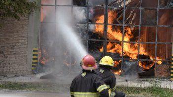 Voraz incendio en Cervi: El dolor que tengo es muy grande