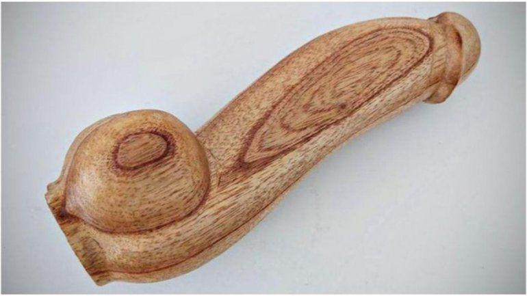 Llaman a licitación para comprar 10 mil penes de madera por $ 13 millones