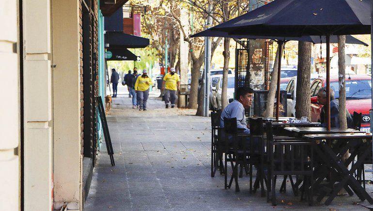 Descartaron ampliar el horario de bares y restaurantes en Cipolletti