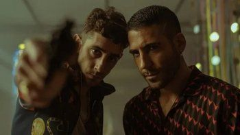 Miguel Ángel Silvestre es Moisés y Enric Aquer es Christian en Sky Rojo