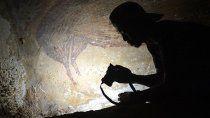 encontraron la pintura rupestre mas antigua del mundo
