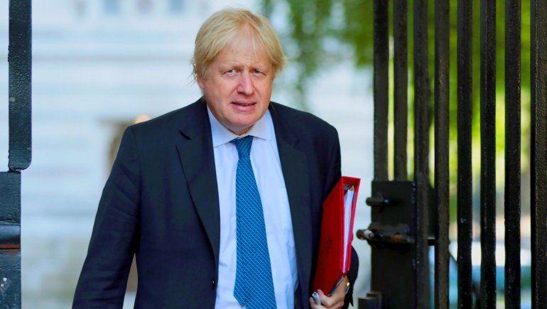 Tras superar el coronavirus, Boris Johnson vuelve al trabajo en Reino Unido