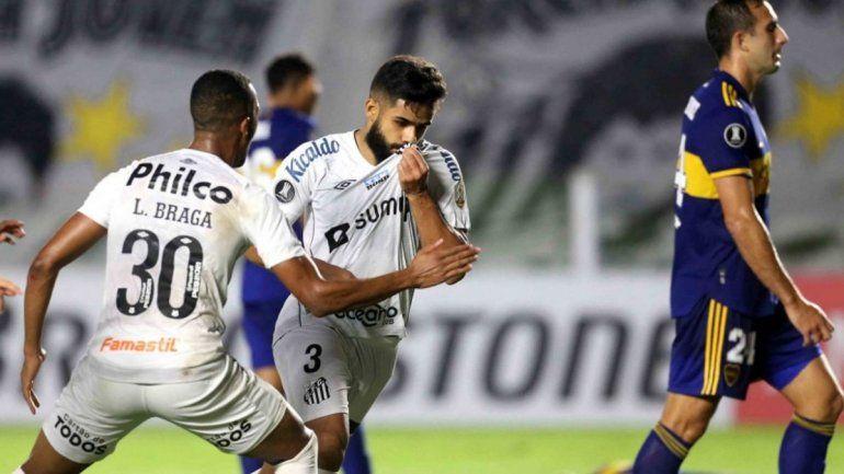 Boca perdió, se está quedando afuera y hay bronca con Russo y Riquelme
