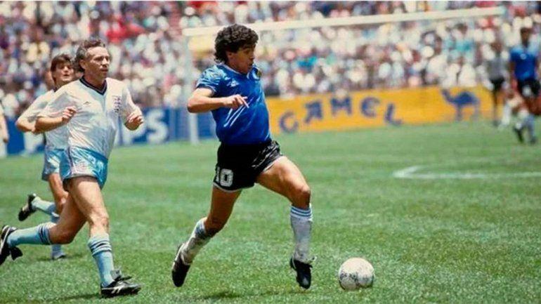 Polémica: menos ¡Boca!, todos homenajearon a Diego y en Neuquén se gritó su gol