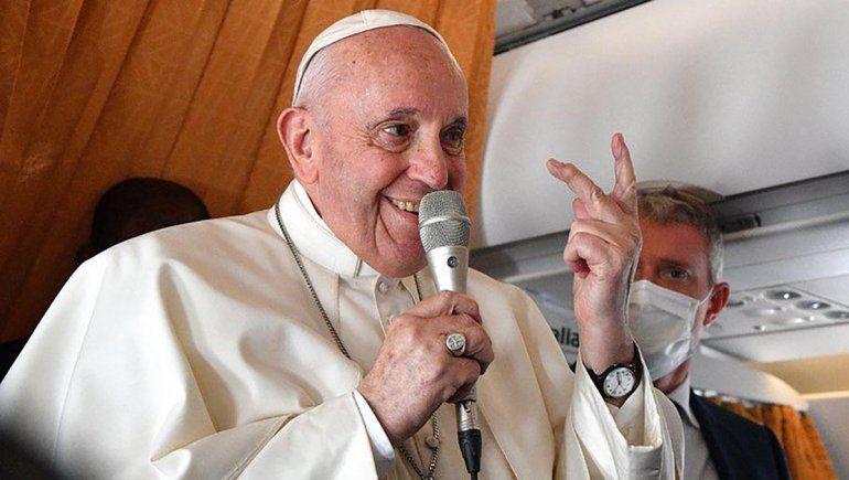 Desde Eslovaquia, el papa Francisco apuntó contra aquellos miembros del Vaticano que lo
